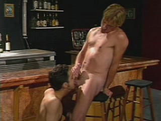 Gay lovers in cock licking and sucking thrill in a bar